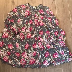 Tops - Flowy Floral tunic
